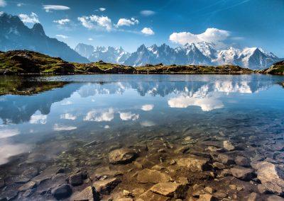 Massif du Mont-Blanc vu du lac de Chéserys (photo Nicolas Perrin)